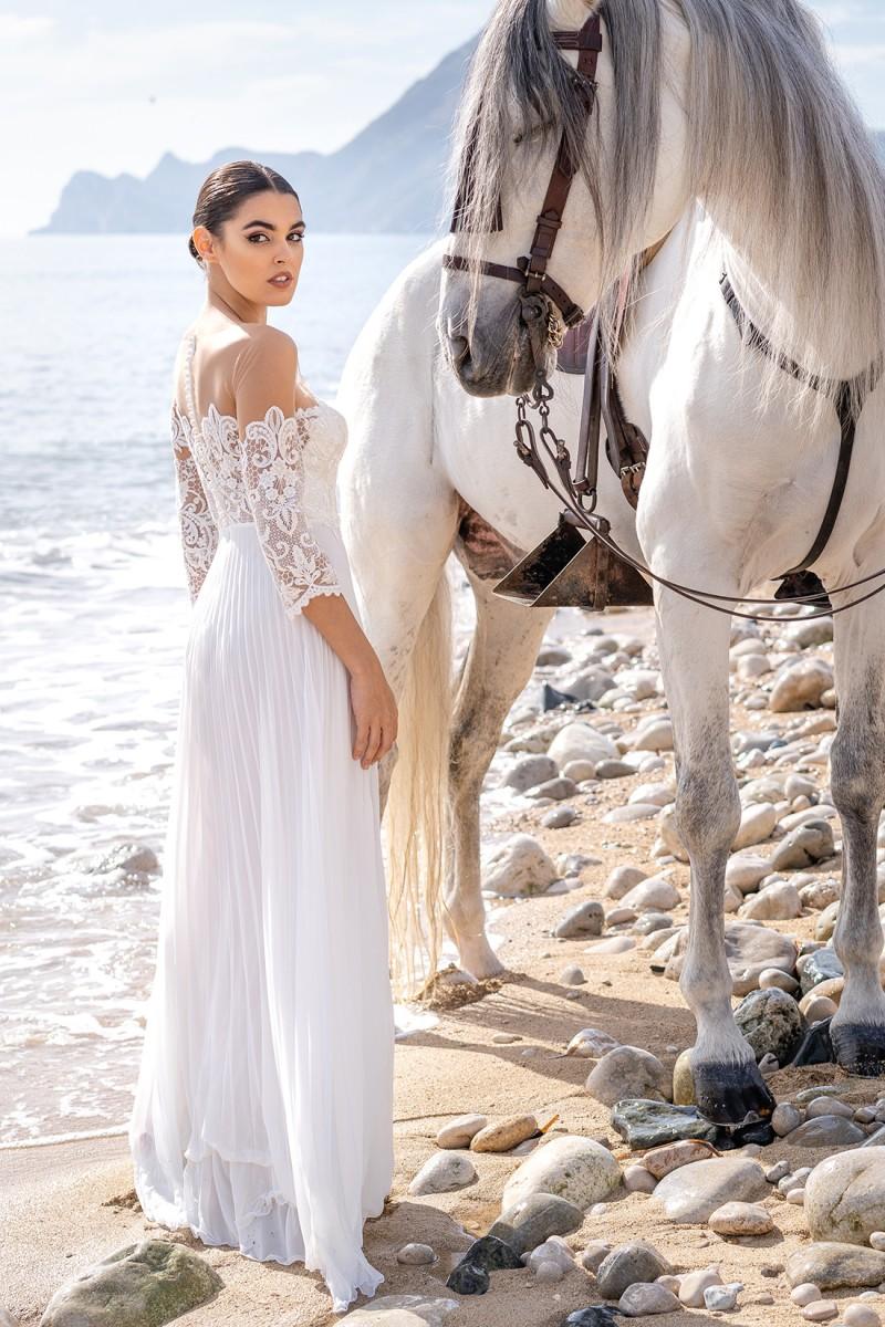 vestido de fiesta blanco con espalda descubierta laila