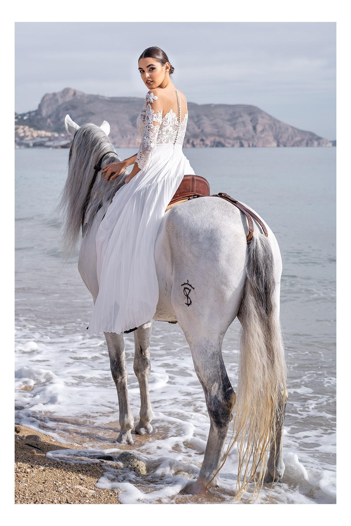 vestido largo para novia de juzgado laila