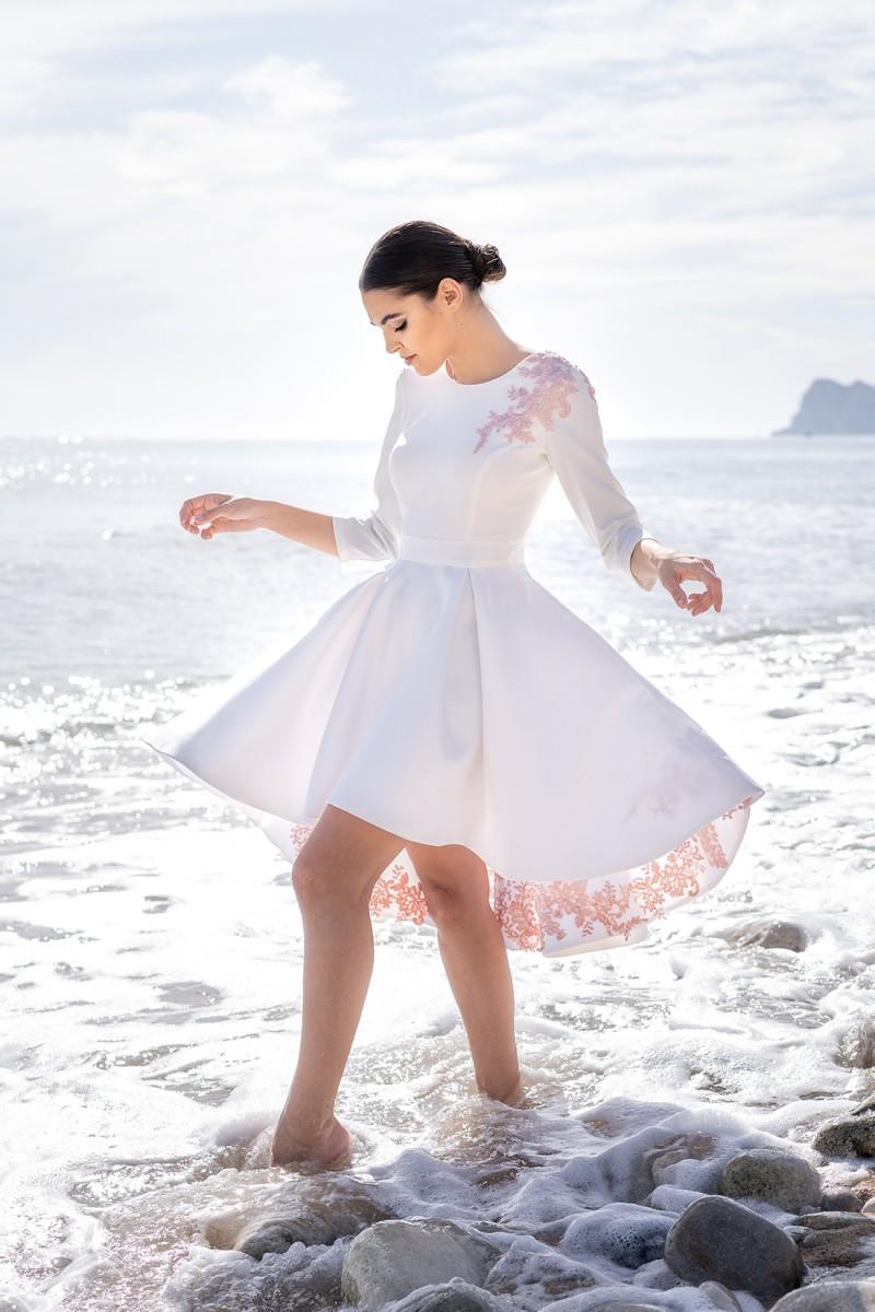 vestido para novia de cóctel luz